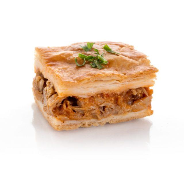 Empanada de Verduritas con Bonito. Canapés calientes. Tapas a domicilio Madrid