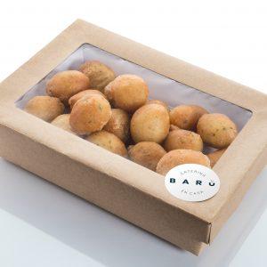 Caja de buñuelos de bacalao. Canapés calientes. Tapas a domicilio Madrid